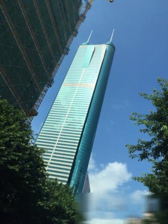 推推99深圳房产网龙园创展大厦外景图